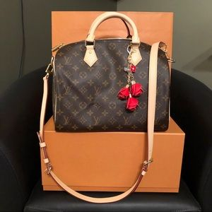 Brand new Louis Vuitton Speedy B30 w/ accessories